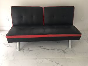 Black and Red Leather Sofa/Futon for Sale in Tamarac, FL