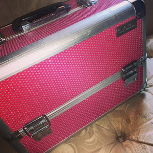 Make up box for Sale in Reedley, CA