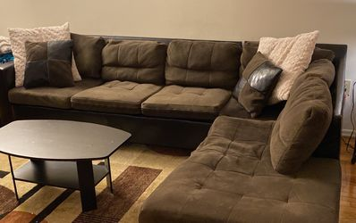 Couch And Carpet for Sale in Fieldsboro,  NJ