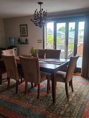 Dining room table and 6 chairs for Sale in Revere, MA