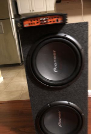 Pioneer 12 in sub enclosed box with 3000 watt amp for Sale in Alexandria, VA