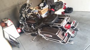 2006 Harley Davidson and ultimate classic for Sale in Fresno, CA