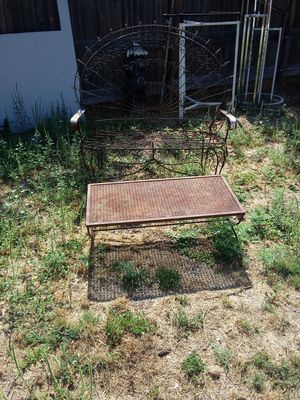 Antique table and chairs for Sale in San Angelo, TX