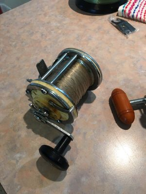 2 Vintage Fishing Reels for Sale in Miami, FL
