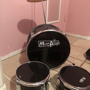 Music Alley children's drum set for 25 or best offer for Sale in Fontana, CA