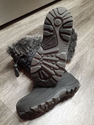 NEW GIRLS KAMIK RAIN/SNOW BOOTS for Sale in Renton, WA