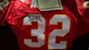 Chiefs Jersey, signed by Marcus Allen for Sale in Wichita, KS