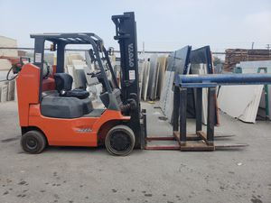2015 Toyota forklift for Sale in Los Angeles, CA