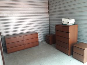 Malm 2 dressers and 2 nightstand 4 under storage drawers for Sale in Chicago, IL