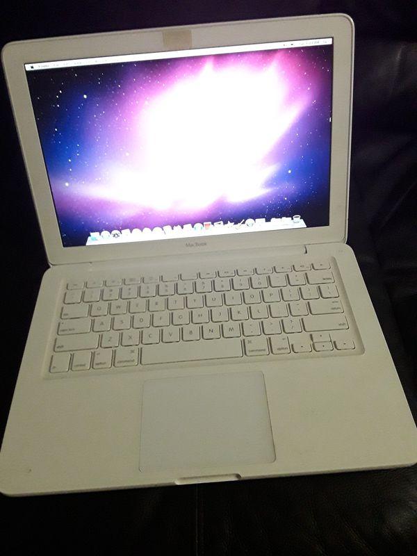 """13.3"""" Macbook (2009)"""