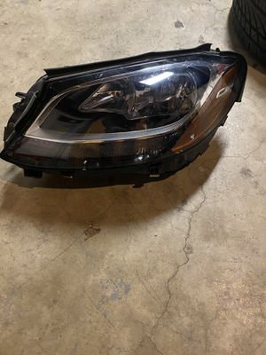 2015 2016 Mercedes C Class HEADLIGHT HEAD LAMP Driver Side LEFT Halogen for Sale in Stanton, CA