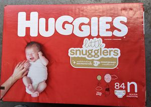 Huggies little snugglers size newborn 84 count for Sale in Houston, TX