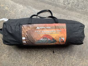 Ozark Trail 9 Ft x 7 Ft Backpacking Tent for Sale in Maple Valley, WA