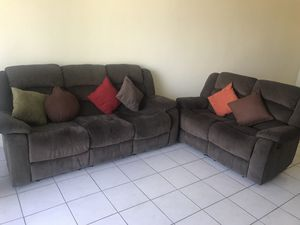 Loveseat. Juego de Sofás for Sale in Hialeah, FL