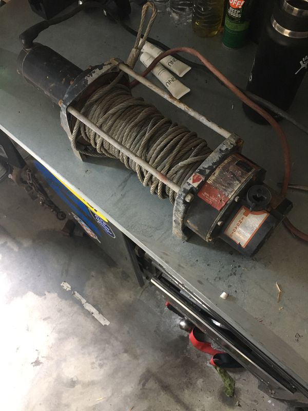 Warn winch 5000 lb with cable