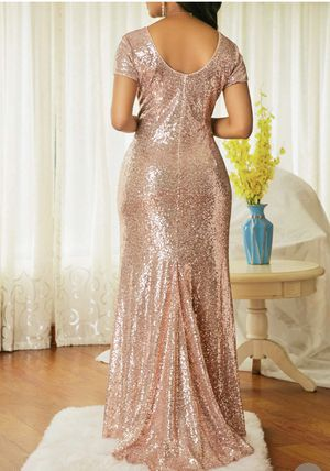 Brand New Rose Gold Maxi Dress. Size 2XL for Sale in Oak Lawn, IL