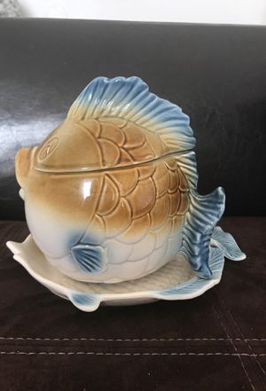 Antique home decoration saver fish hard glass for Sale in Las Vegas, NV