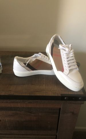 Burberry shoes for Sale in Cranberry Township, PA