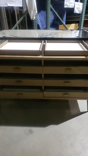 High end jewelry display case for Sale in Jersey City, NJ
