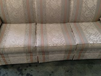 Couch Nice Condition for Sale in Tacoma,  WA