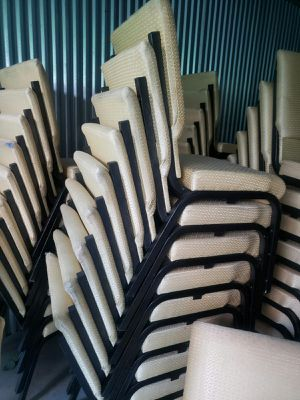 New and used Church chairs for sale 15 dollars each for Sale in West Palm Beach, FL