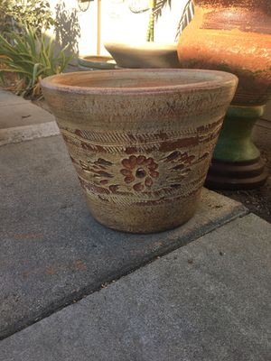 Flower pot for Sale in Colton, CA