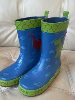 Kids Rain Boots Blue Dinasaur Size 9 for Sale in Bellingham,  WA