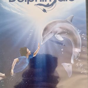 Dolphin tale DVD for Sale in Lakewood, CA