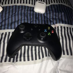 Xbox One X Controller for Sale in New Brunswick,  NJ