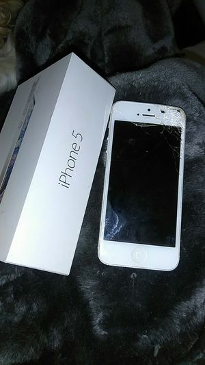 IPhone 5 (for parts) for Sale in Portland, OR