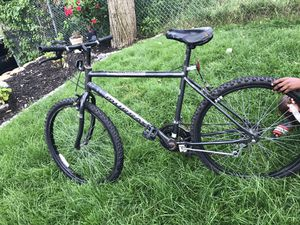 Mountain bike for Sale in Somerville, MA