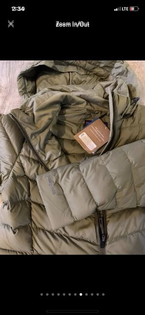 Patagonia coat size small retail is 350$ selling for less for Sale in La Vista, NE