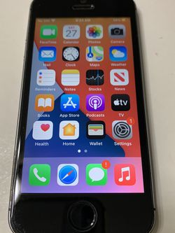 iPhone SE 128GB Factory Unlocked for Sale in Gresham,  OR