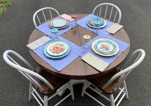 Fully Refurbished Kitchen Table with Chairs for Sale in Triangle, VA