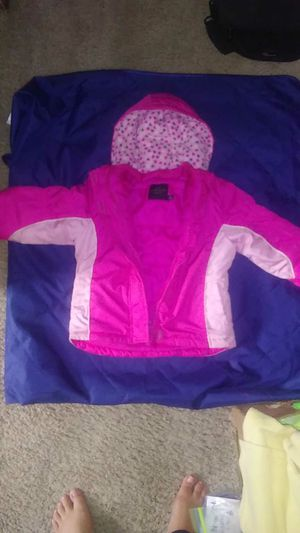 4T pink jacket for Sale in Kimberly, WI