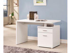 New WHITE DESK NEW /NUEVO en caja for Sale in Hialeah, FL