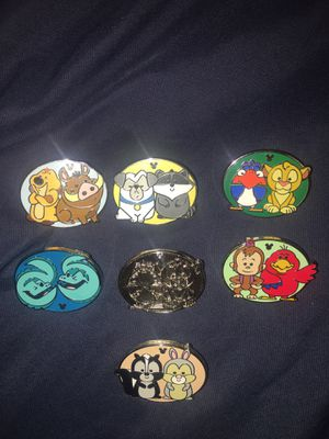 AUTHENTIC Disney Pins 2019 Hidden Mickey Complete Set of 7 for Sale in San Diego, CA