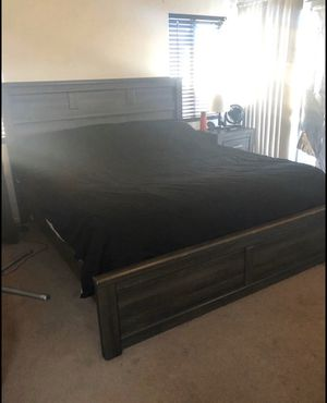 California King bedroom set for Sale in San Jacinto, CA