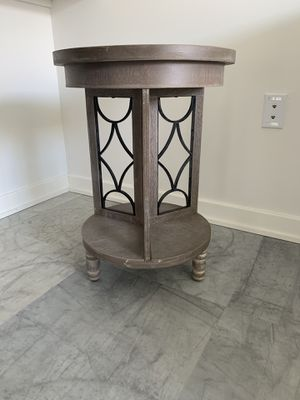 Round wood side table for Sale in Virginia Beach, VA