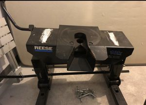 Fifth wheel hitch - Reese 16k for Sale in Phoenix, AZ