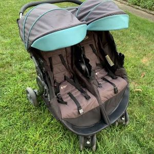 Graco Double Stroller for Sale in Cleveland, OH