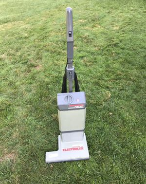 ELECTROLUX PROLUX HEAVY DUTY COMMERCIAL UPRIGHT VACUUM Model 1572C for Sale in Blue Bell, PA