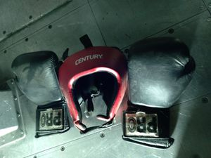 Boxing gloves and head gear for Sale in Bakersfield, CA