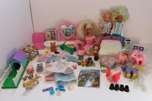 Vintage Barbie Clothes and Pieces Lots of Toys for Sale in Gardnerville, NV
