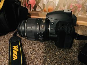 Nikon camera with bag and battery changer D3100 for Sale in Henderson, NV