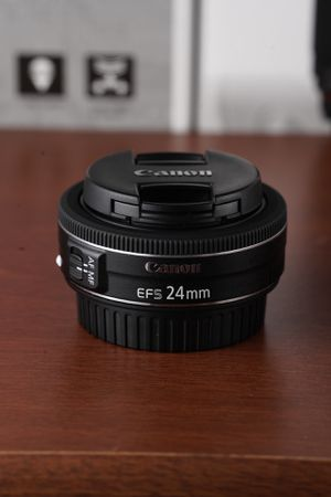 Canon 24mm f/2.8 EF-S STM for Sale in South El Monte, CA