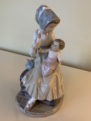 Lladro #5140 Mother Feeding Her Baby for Sale in Delray Beach, FL
