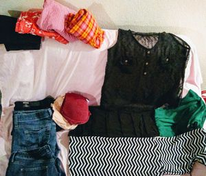 Women's clothes bundle $8 for Sale in Everett, WA