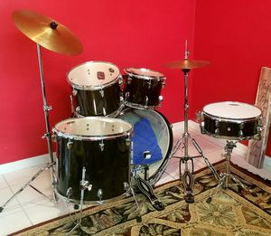 Drum Set - Sound Percussion 5 piece. Barely used. for Sale in Miramar, FL