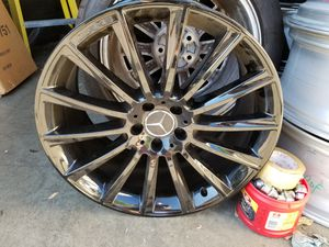 "1x 20"" AMG OEM Factory Mercedes S550 wheel rim Black gloss for Sale in Los Angeles, CA"